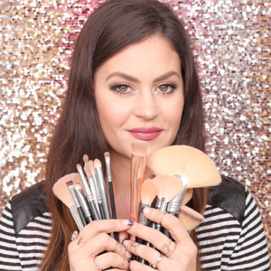What Makeup Brushes You Need